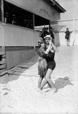 1920s beach dance couple