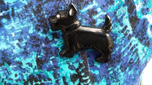 Bakelite Scottie Dog Pin 1940s 1950s