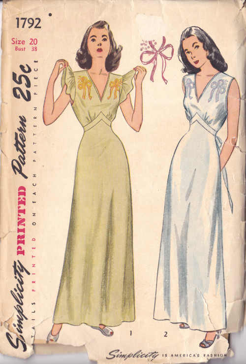 1940s vintage sewing pattern v-neck