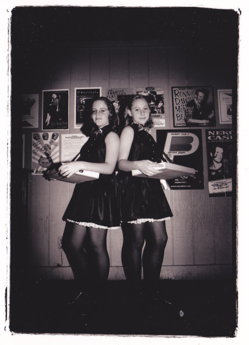 cigarette girls 40s style