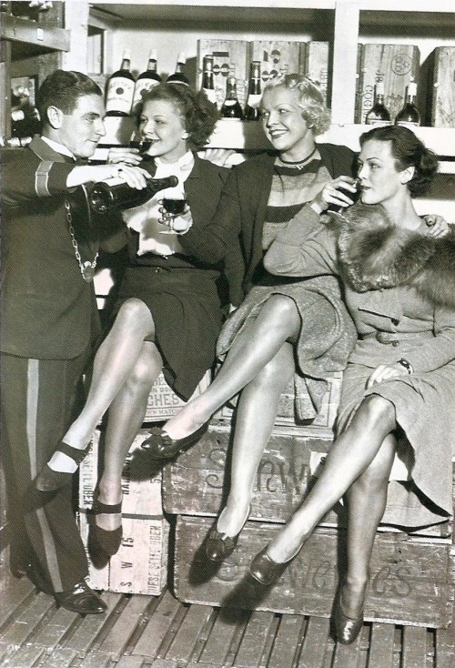 1930s 1940s Vintage Cocktail girls