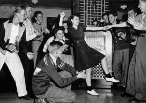 1940s Jitterbug Juke Box Swing