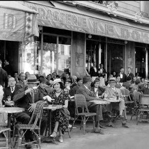 paris-cafe 1920s