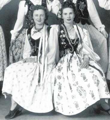 1940s traditional polish dance wear