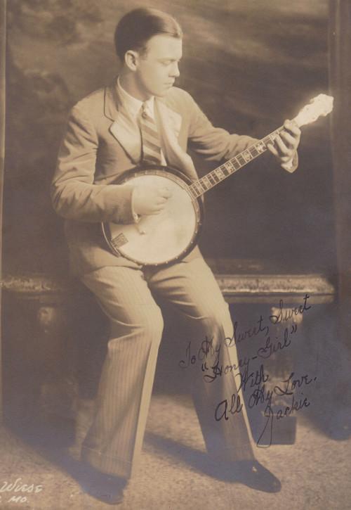 30s 40s vintage guy playing banjo
